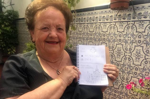 Hizo una agenda con dubujos para su abuela que no sabe leer