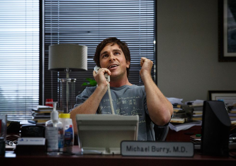 Christian Bale interpretando Michael Burry em 'A Grande Aposta