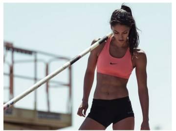"""""""Dá gosto de ver"""" ou """"traga ou não medalha, ficaremos orgulhosos dela"""", alguns dos comentários sobre a atleta de salto com vara Allison Stokke."""