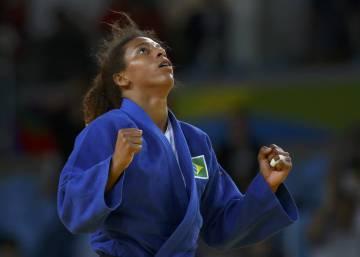 fff20893e650b A febre pela camisa da Marta será medida depois da Olimpíada ...