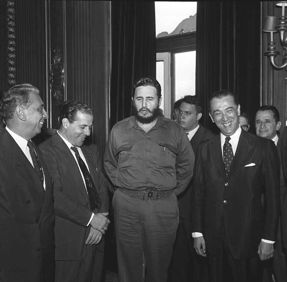 Fidel em visita ao Brasil, em 1959, recebido pelo presidente JK