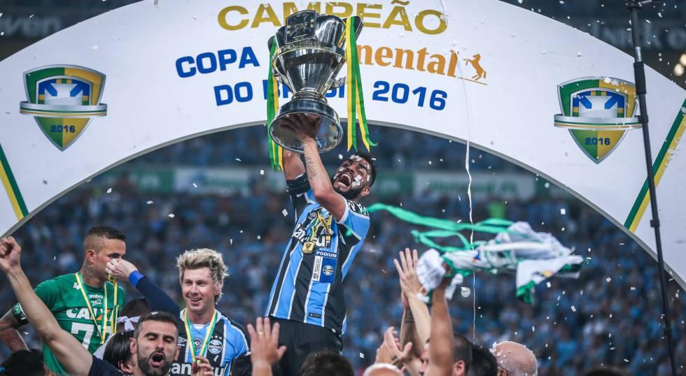 Resultado  Grêmio empata com o Atlético-MG por 1 a 1 e é campeão da ... d0bfce9d09348