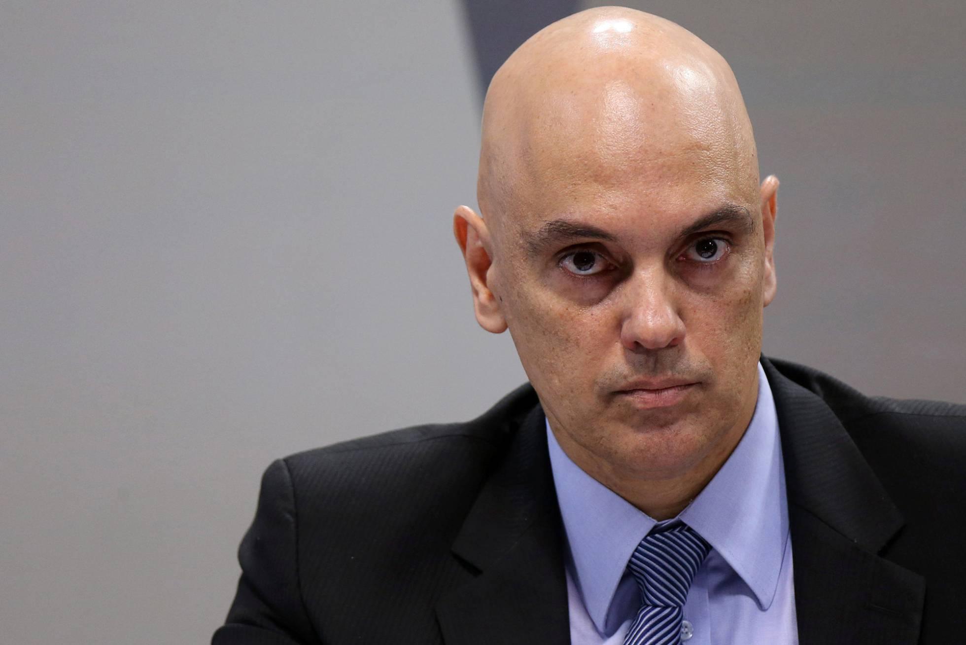 Alexandre de Moraes discute com Polícia Federal após se recusar a passar pela inspeção de segurança no aeroporto
