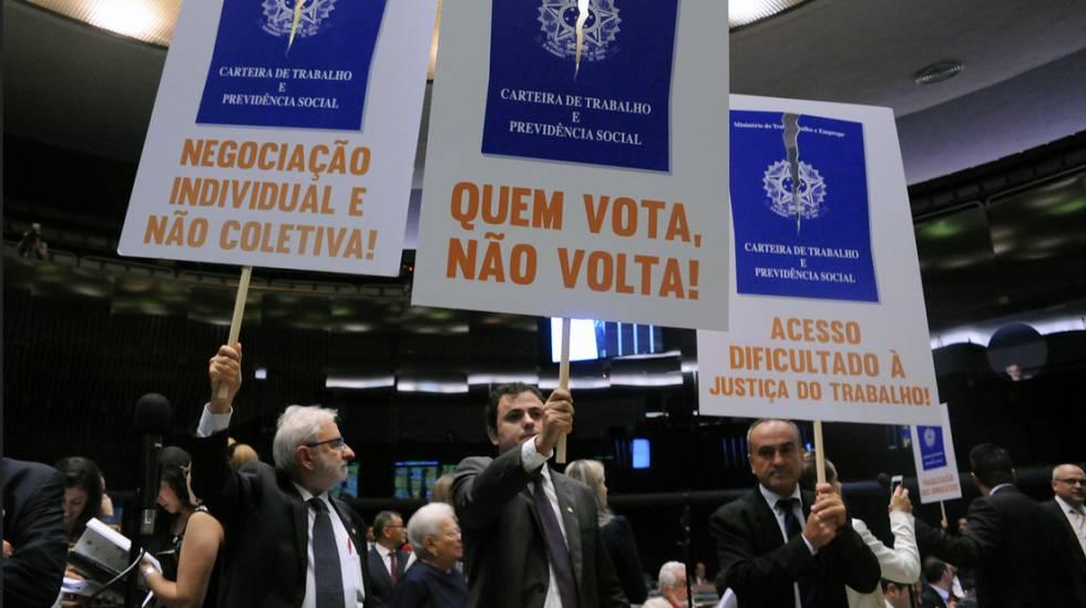 Resultado de imagem para Parlamentares e governo negociam mudanças em texto da Reforma Trabalhista