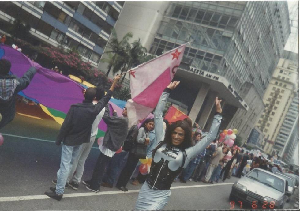 Primeira marcha reuniu 2.000 pessoas na Av. Paulista.