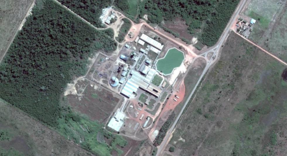 Imagem de satélite do Frigorífico JBS, em Santana do Araguaia, Pará.