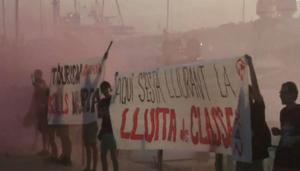 Turismofobia em Barcelona: grupos radicais agora atacam turistas