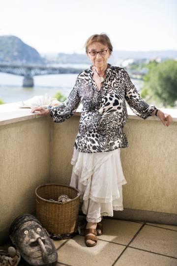 Agnes Heller em sua varanda em Budapeste