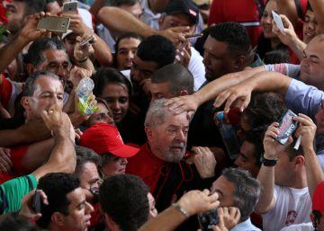 Mar de gente como escudo para campanha de Lula, alvo de nova denúncia