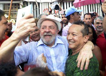 """""""Se hoje eu tenho um carro, uma casa e posso me vestir assim, é por causa de Lula"""""""