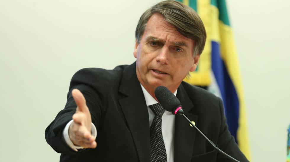 Jair Bolsonaro em sessão do Conselho de Ética que rejeitou processo contra ele por elogiar o coronel que foi chefe do DOI-CODI, Carlos Ustrarn