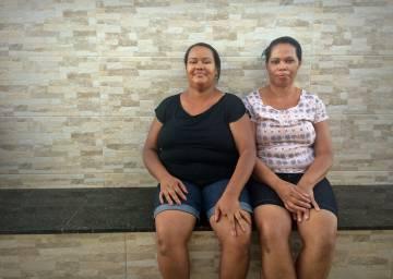 Dilzane e a mãe, Joana, eram vizinhas da professora.