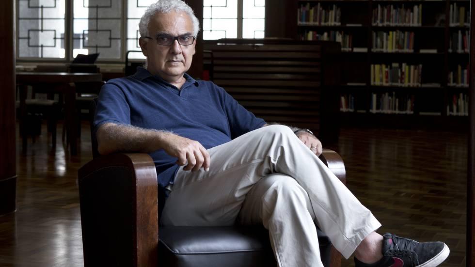 O escritor Milton Hatoum