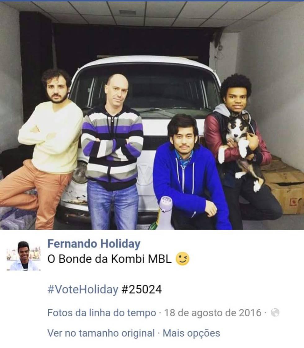 """Em publicação em suas redes sociais, Holiday chamou o grupo com seu veículo de """"Bonde do MBL""""."""