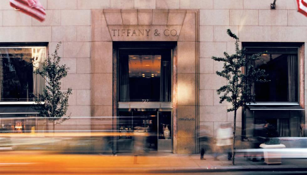 O café da manhã na Tiffany já está disponível e não apenas para a Bonequinha  de Luxo 880baf7499