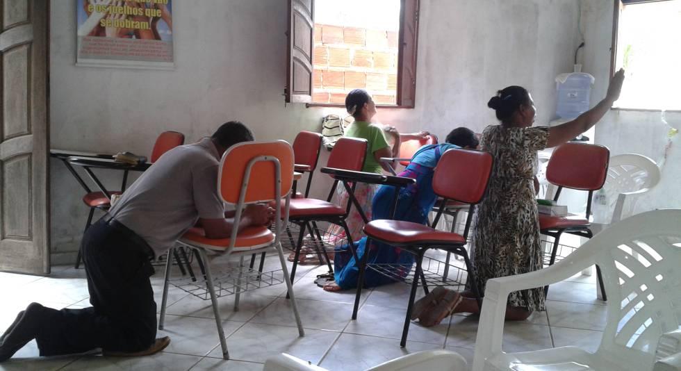 Culto evangélico no povoado da Bahia durante a pesquisa.