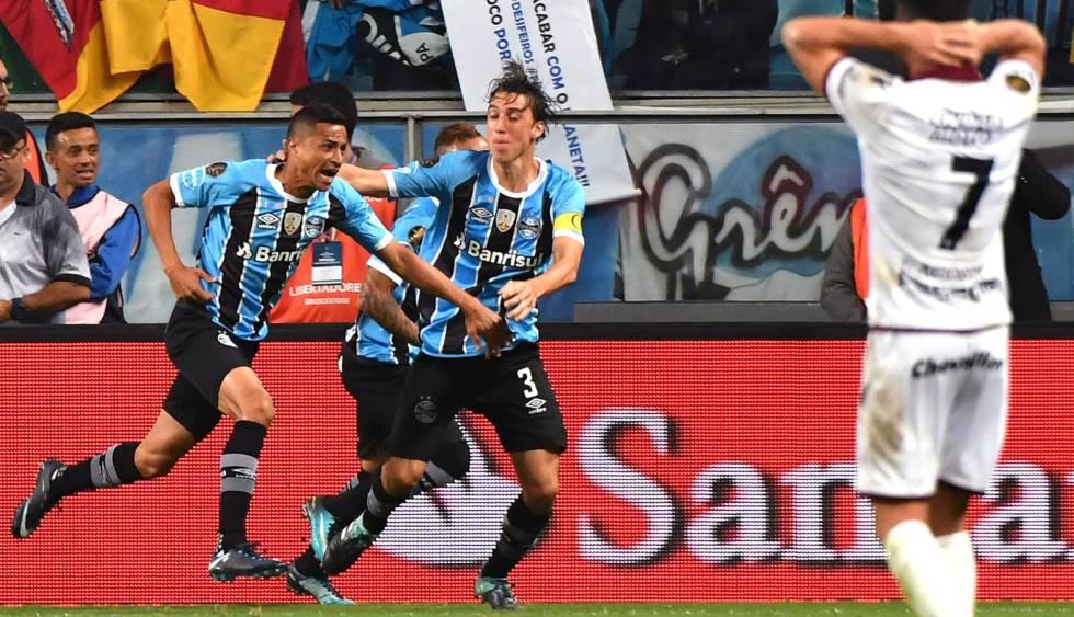 0387f8d376 Grêmio vence o Lanús e sai em vantagem na final da Libertadores ...