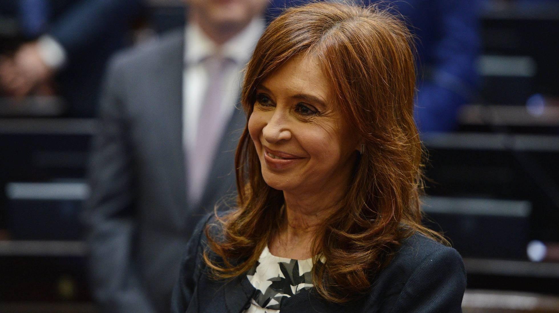 Juiz decreta prisão de Cristina Kirchner e pede autorização ao Congresso para detê-la