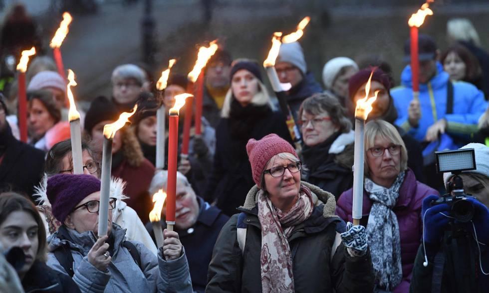 Mulheres se manifestam em apoio ao movimento #metoo em Estocolmo, Suécia, no dia 14 de janeiro.