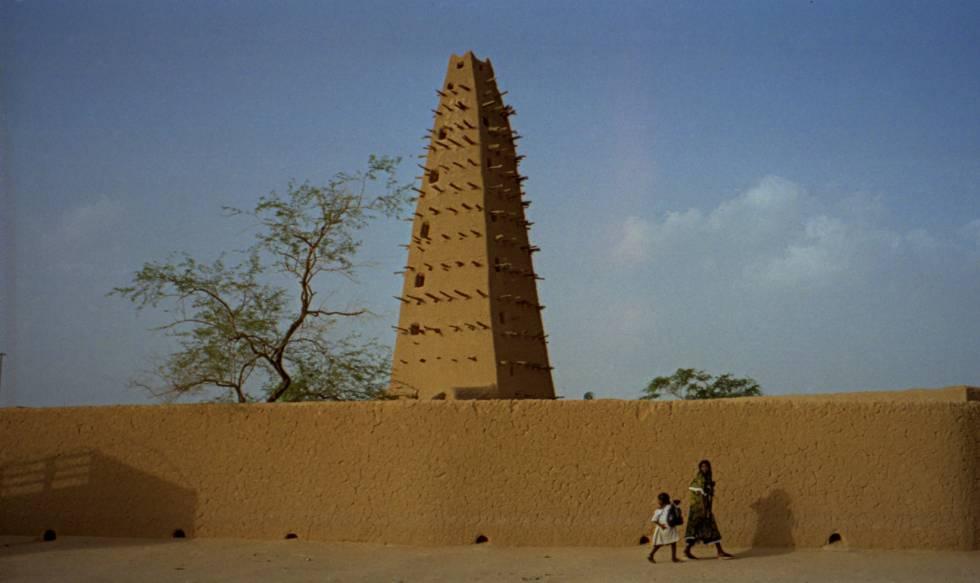 Antiga mesquita em Agadéz, povoação que se ergue num oásis no centro da região montanhosa de Air, no Níger.