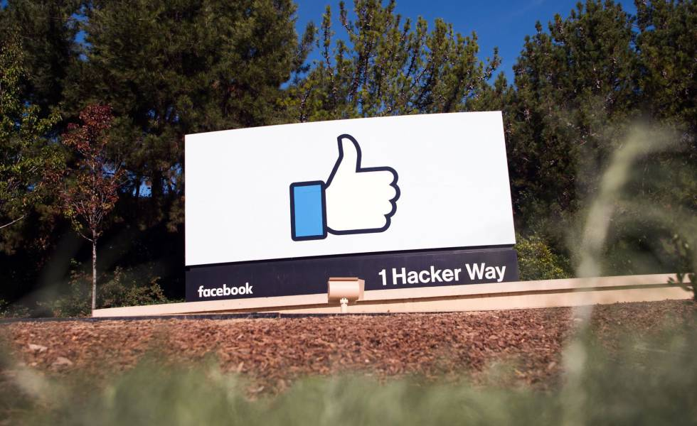 Outdoor na sede do Facebook, Menlo Park, California. Foto de novembro de 2016.