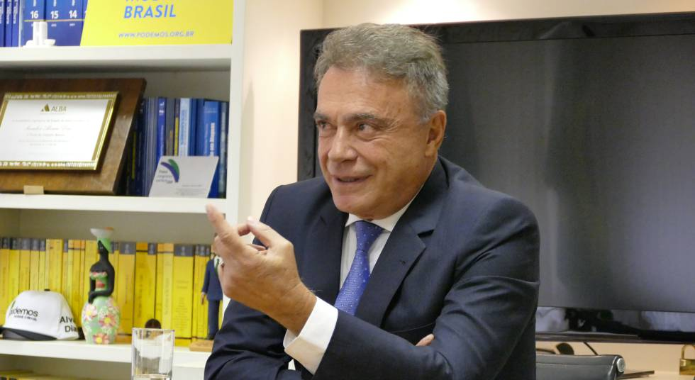 O senador Álvaro Dias.