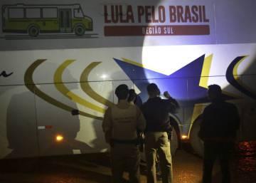 Ataque à caravana de Lula: boatos são base de 6 das 10 notícias mais compartilhadas