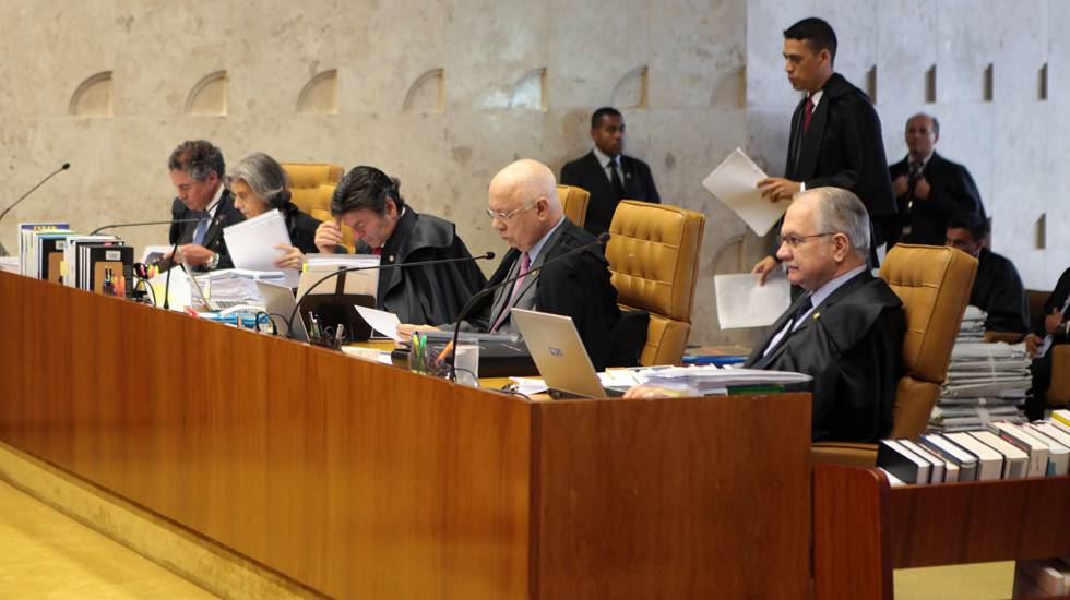 Os ministros Marco Aurélio, Cármen Lúcia, Fux, Teori e Fachin. R. Coutinho