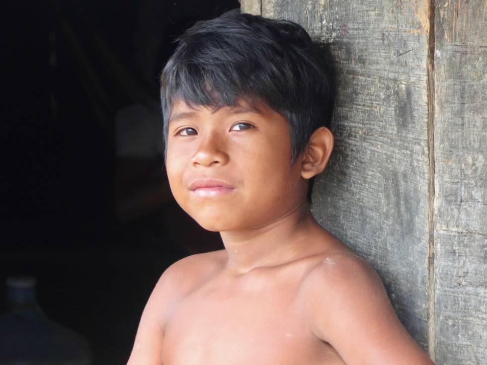 Criança Panará: após volta à terra original, bem-estar do povo é apontado como um dos motivos de as aldeias estarem cheias de integrantes da nova geração.