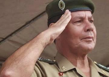 Governo, Exército e Ministério Público não atuam contra general que defende a intervenção militar