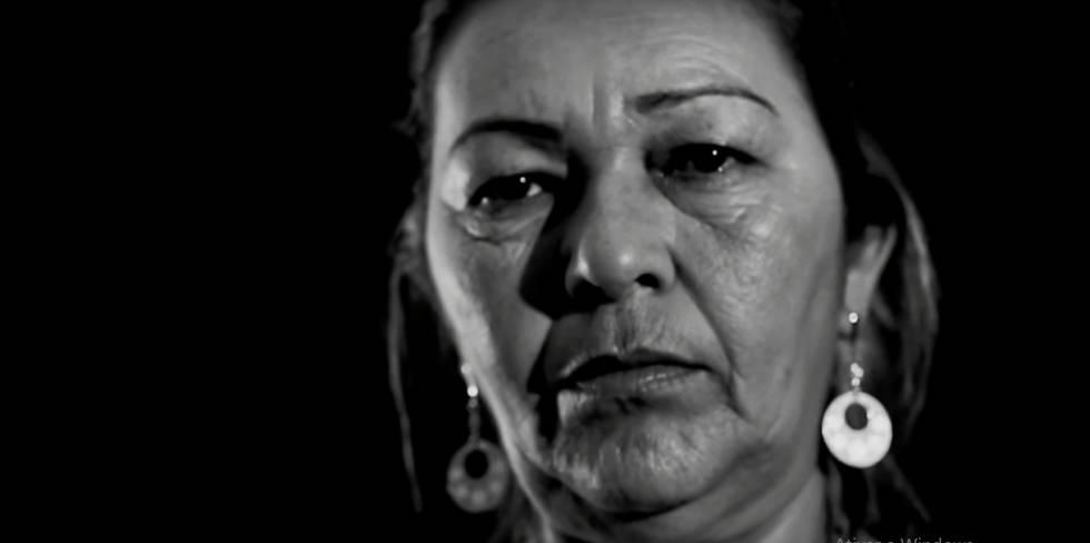 """Vera Lúcia no clip de """"Chapa"""", do Emicida"""