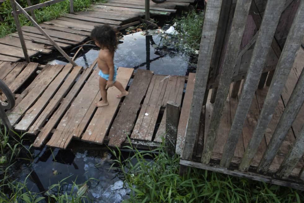 As centenas de crianças do Jardim Independente I correm risco permanente.