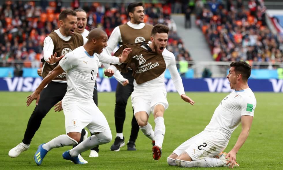 Uruguai conta com gol de Giménez para vencer o Egito em estreia na Copa do  Mundo 19c57c8e16936