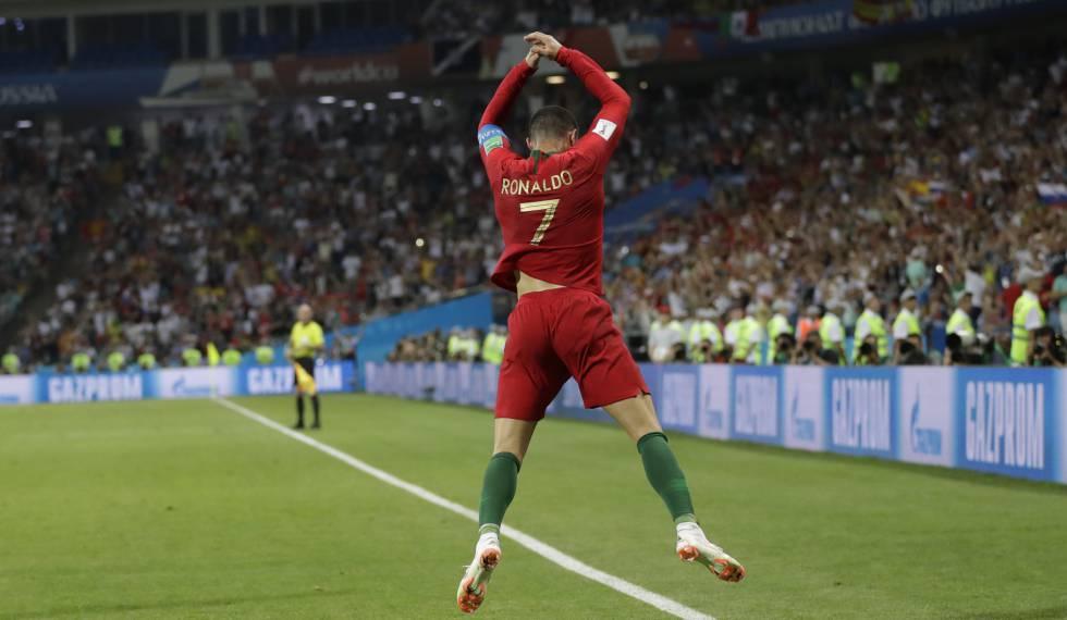 Cristiano Ronaldo marca três vezes e dá empate a Portugal contra Espanha na  Copa do Mundo cca8ccacce0a3