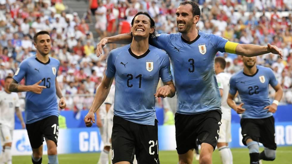 2bd99d8268971 Uruguai vence Rússia e garante o primeiro lugar