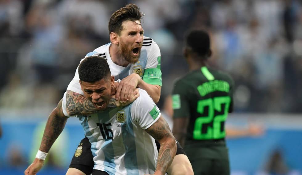 0f6746a46c Argentina x Nigéria  jogo ao vivo pela Copa do Mundo Messi comemora com  Rojo o ...