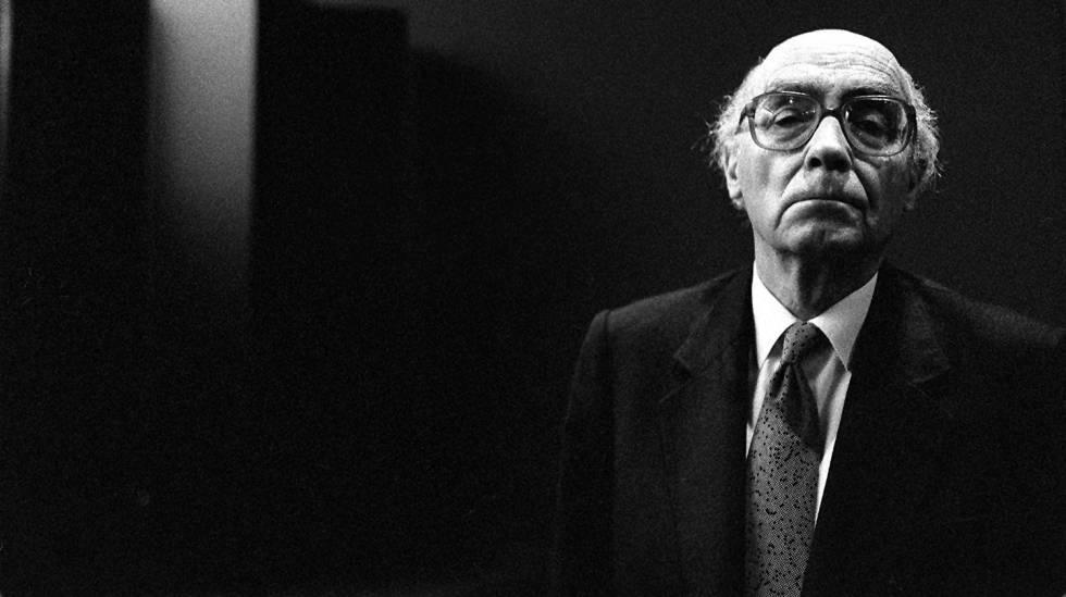 O escritor José Saramago.