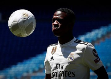 Apresentado no Real Madrid, Vinicius Junior inicia jornada europeia à sombra do racismo