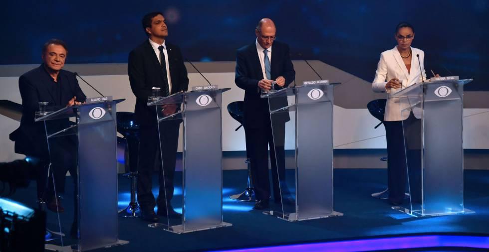 Candidatos no debate, na sexta.