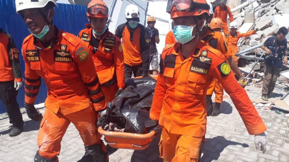 Terremoto e tsunami na Indonesia