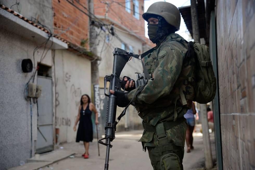 Policiais estupraram meninas durante intervenção no Rio, aponta relatório