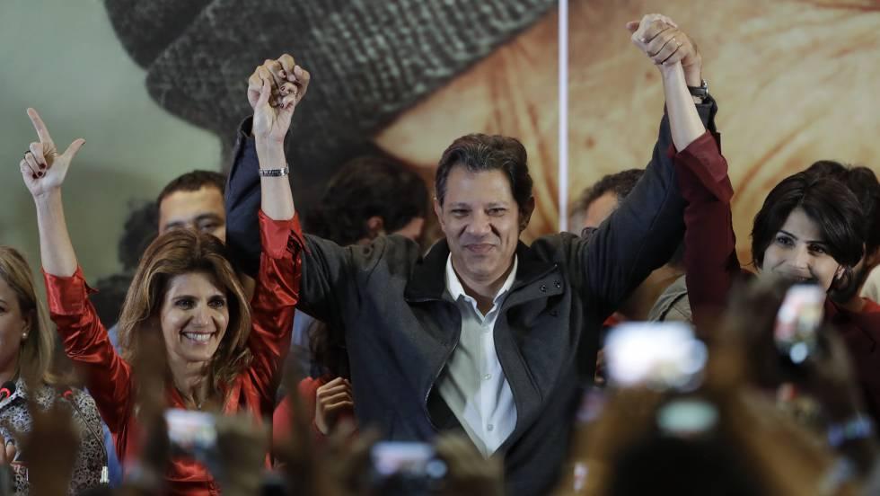 Fernando Haddad comemora sua ida ao segundo turno das eleições presidenciais
