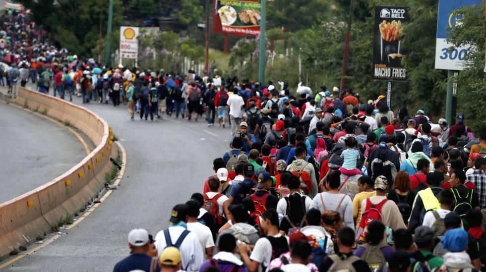 A caravana de imigrantes hondurenhos segue da cidade de Chiquimula rumo ao Departamento de Zacapa