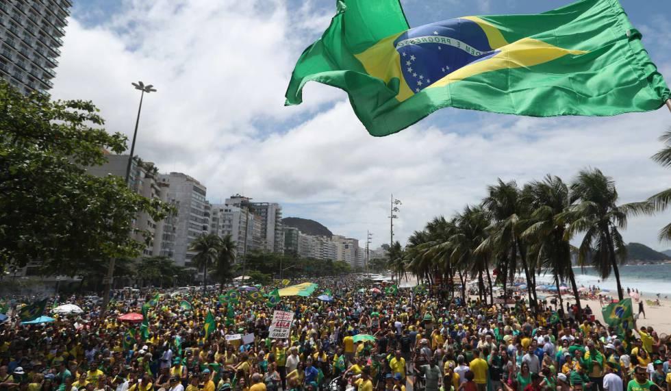 Ato a favor de Bolsonaro no Rio.