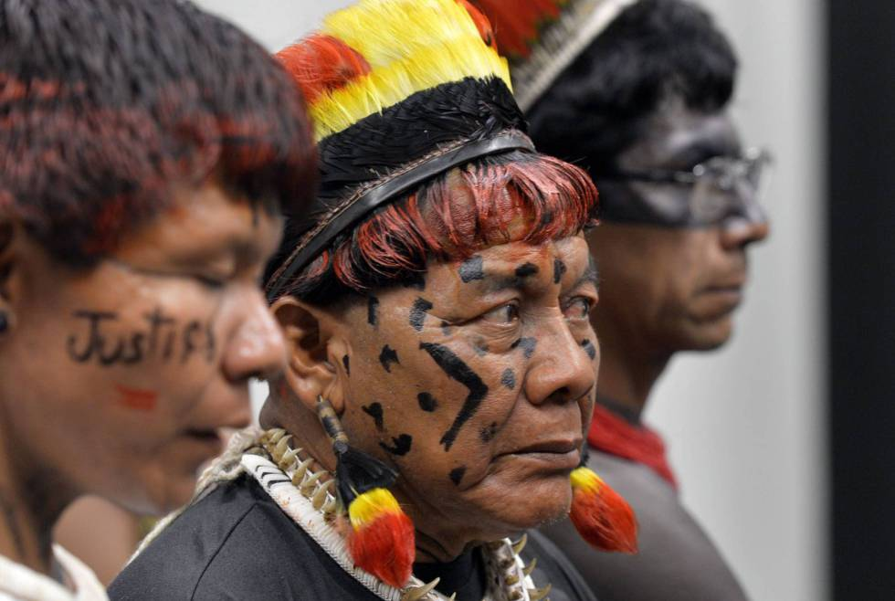 Indígenas durante a CPI da Funai, em 2015.