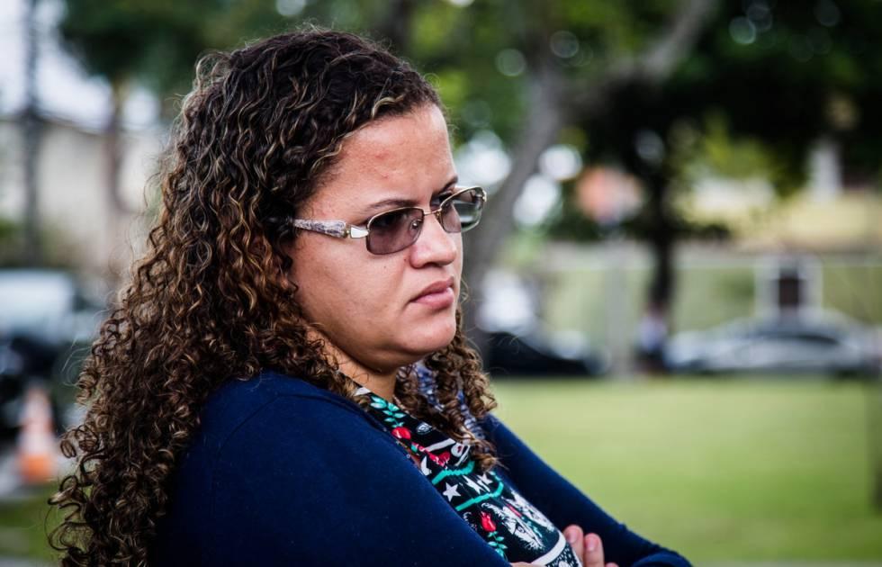 A dona de casa Luana Patrícia Gomes da Silva Alves conseguiu remover o Essure de suas trompas em fevereiro desse ano