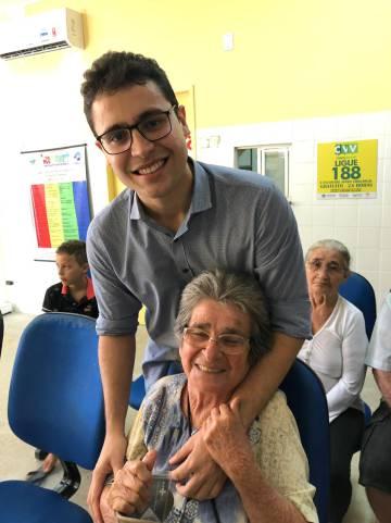Médico Luan Victor Almeida realiza trabalho voluntário em Itaiçaba