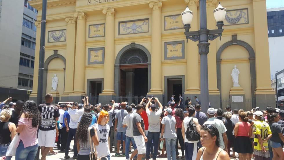 ce8158a3b6 Tiroteio  Homem abre fogo dentro de Catedral de Campinas e deixa ...