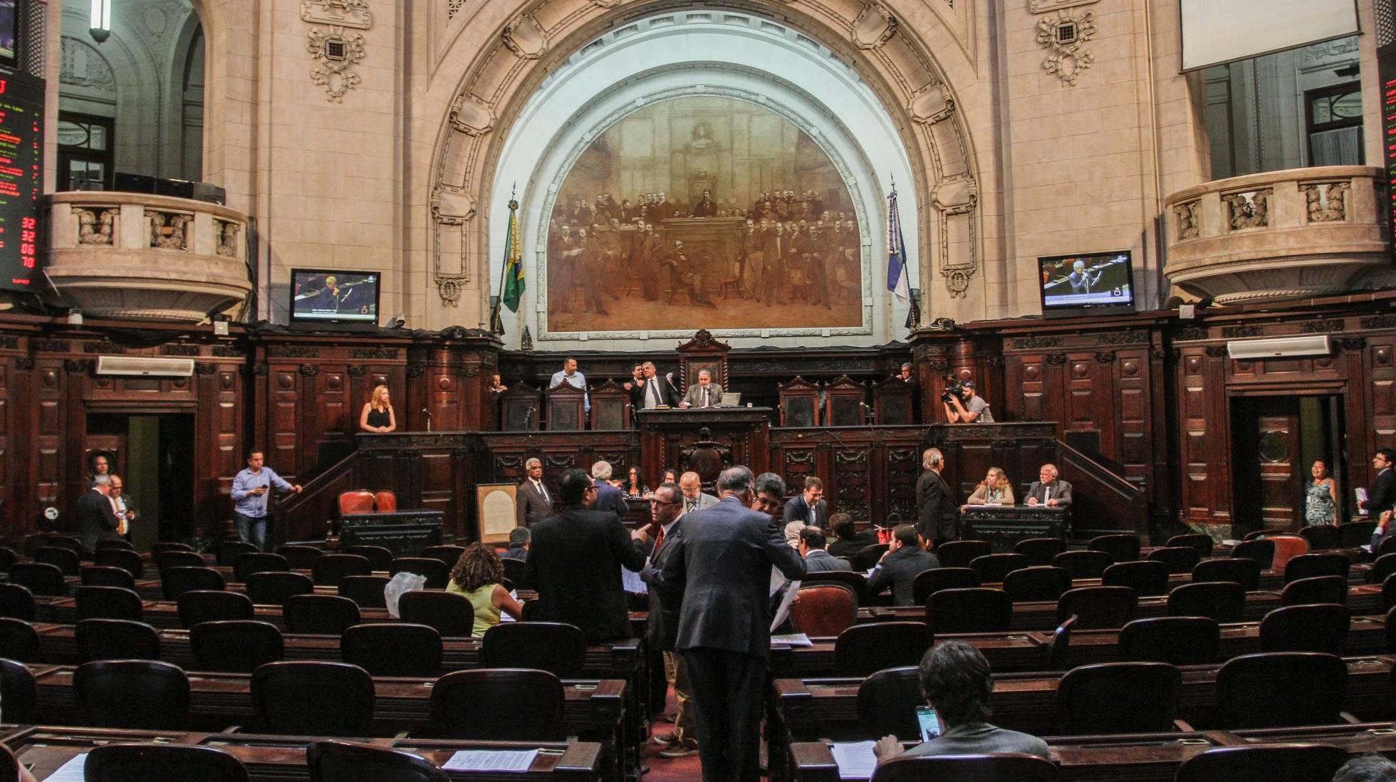 [Imagem: 1544720844_126366_1544794750_noticia_nor...corte1.jpg]