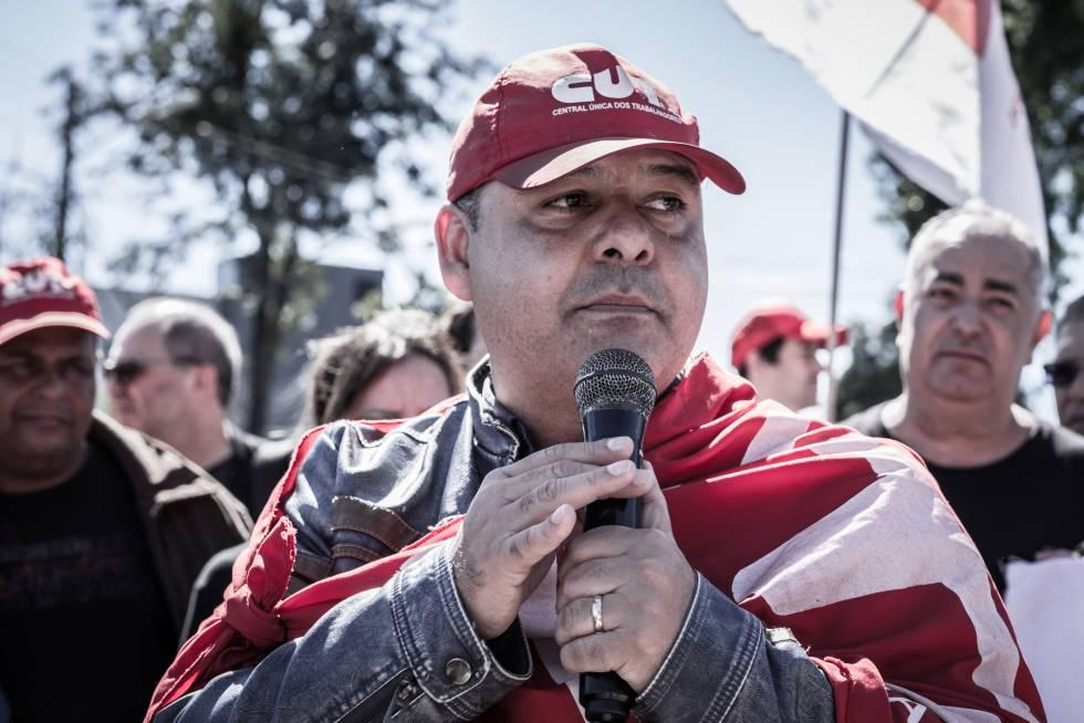 Vagner Freitas, em um ato pelo 1º de Maio em Curitiba.